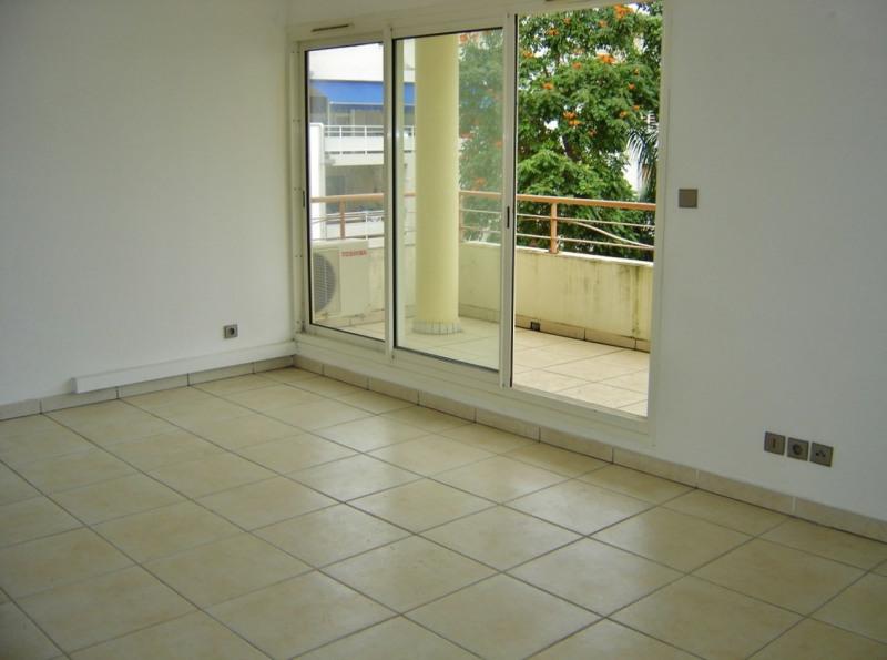 Rental apartment Saint denis 610€ CC - Picture 4