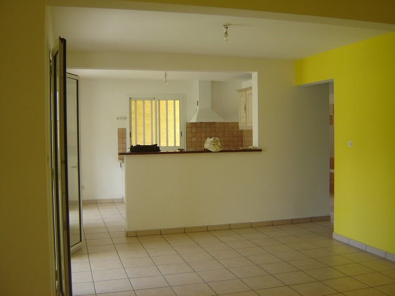 Location maison / villa La possession 1 351€ CC - Photo 3