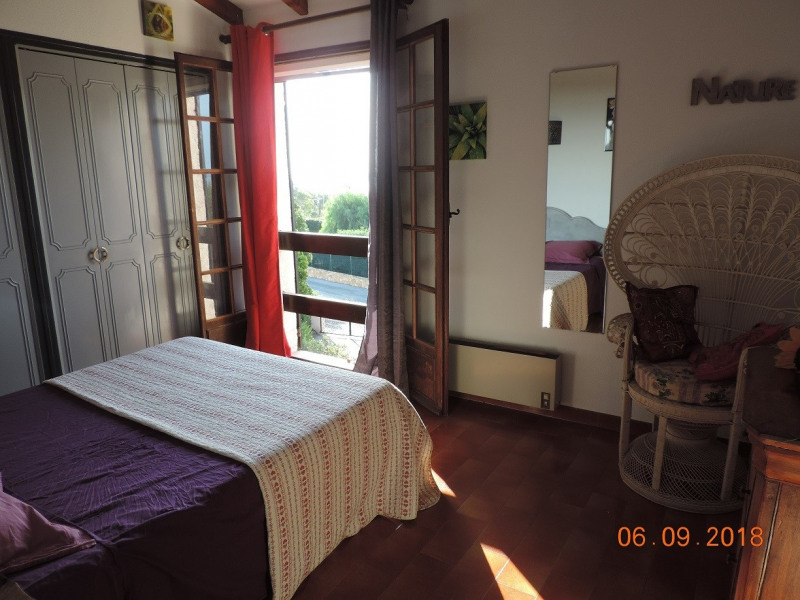 Location vacances maison / villa Les issambres 915€ - Photo 5