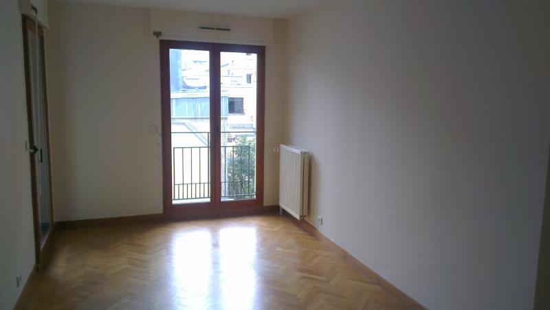 Rental apartment Paris 15ème 2850€ CC - Picture 7