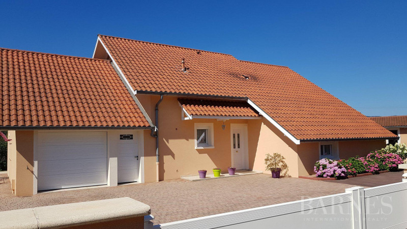 Deluxe sale house / villa Arnas 550000€ - Picture 2
