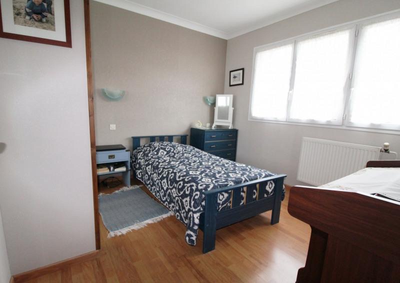 Sale house / villa Maurepas 346500€ - Picture 6
