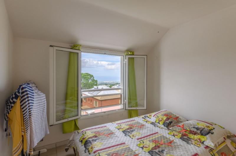Sale apartment Le tampon 133000€ - Picture 6