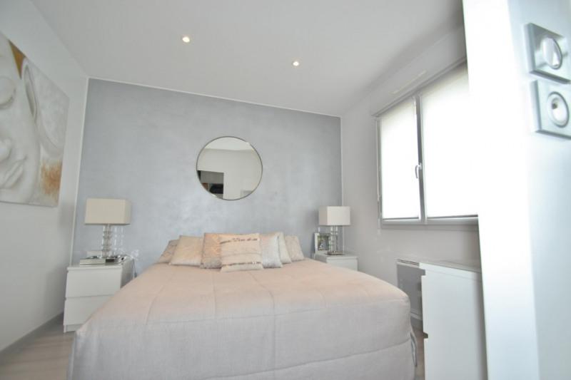 Revenda casa Lans 254000€ - Fotografia 6