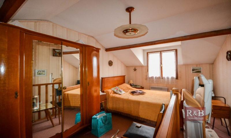 Sale house / villa Les clayes sous bois 320000€ - Picture 8