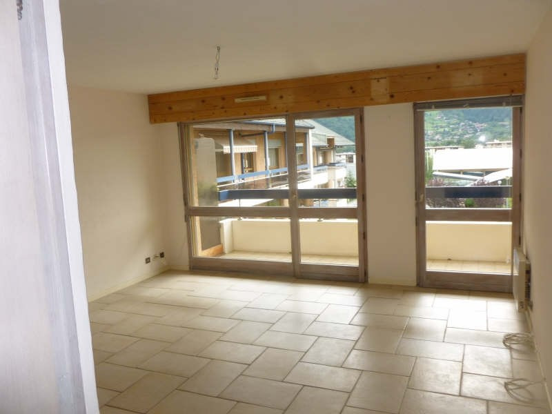 Location appartement Sallanches 581€ CC - Photo 3