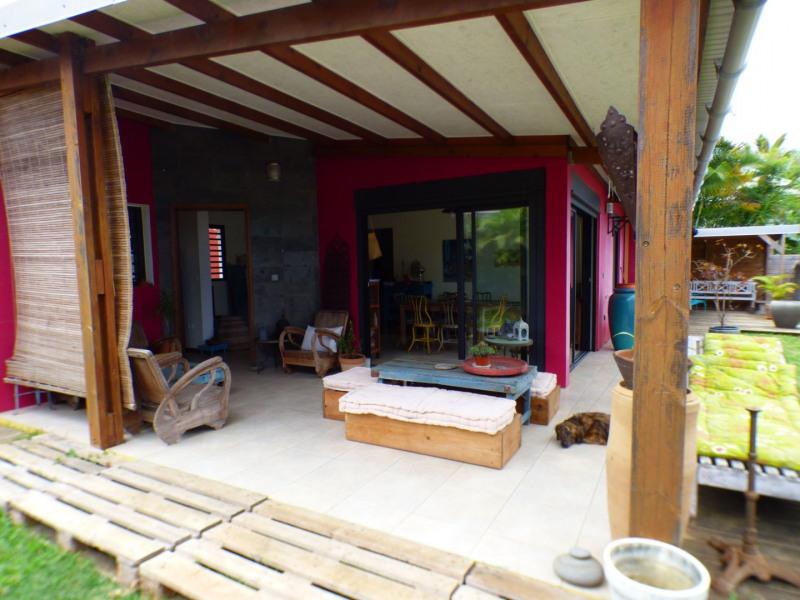 Sale house / villa Les avirons 283500€ - Picture 1