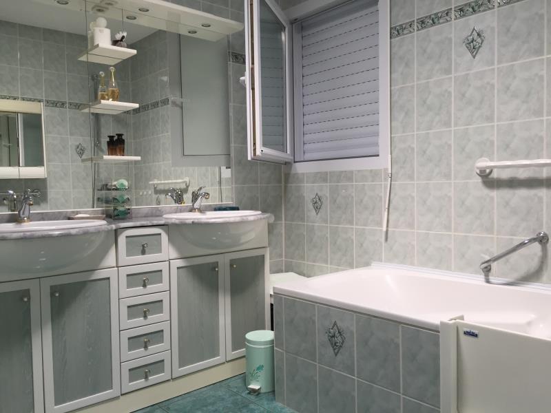 Sale house / villa St vincent sur jard 260000€ - Picture 8
