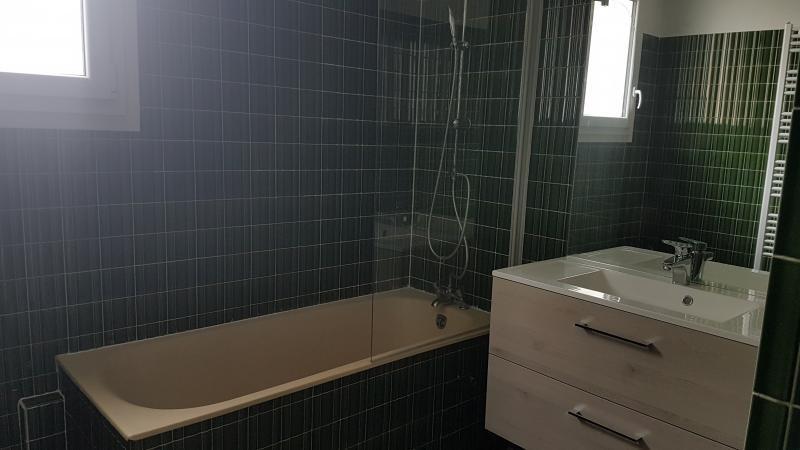 Rental apartment Laval 1200€ CC - Picture 5