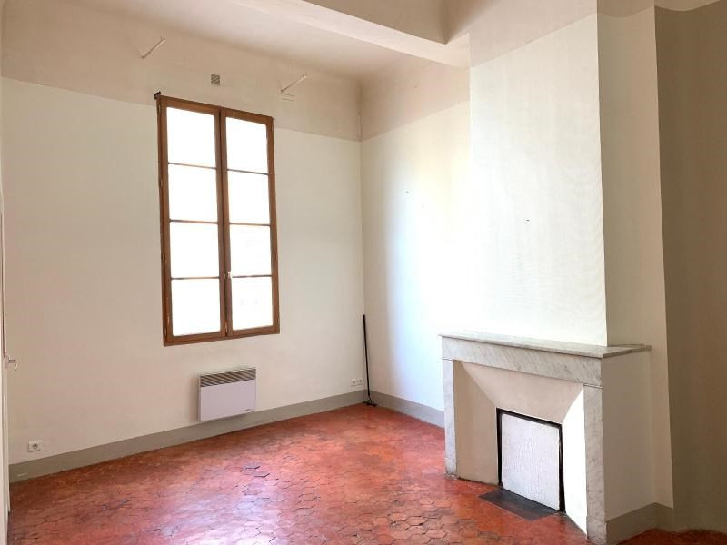 Rental apartment Aix en provence 745€ CC - Picture 1
