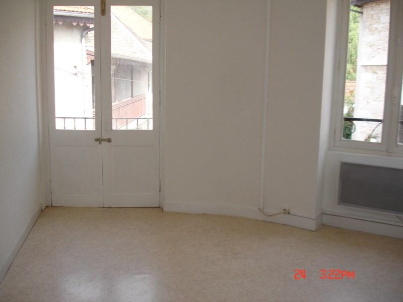 Location appartement La balme les grottes 373€ CC - Photo 4