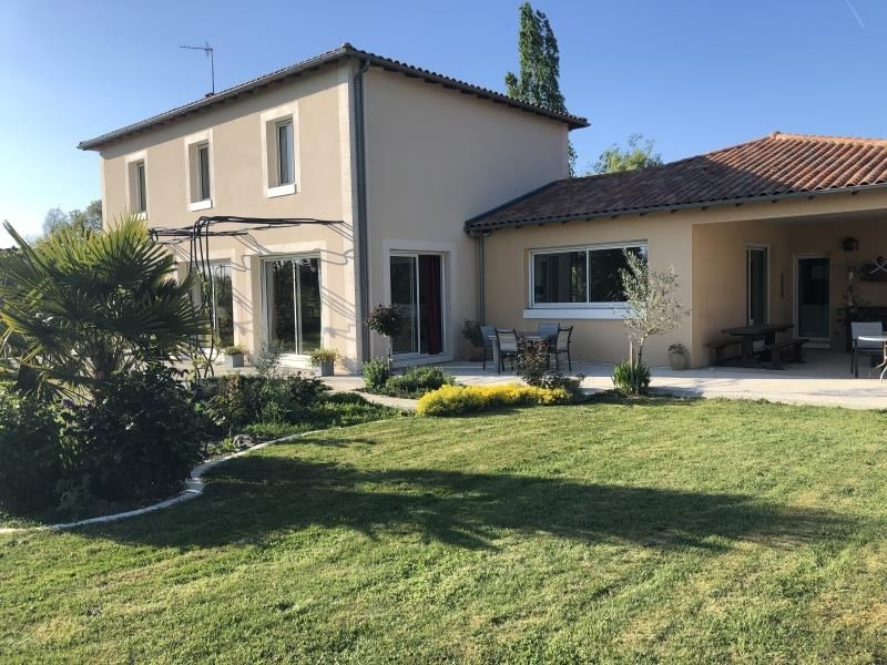 Sale house / villa Poitiers 470000€ - Picture 1