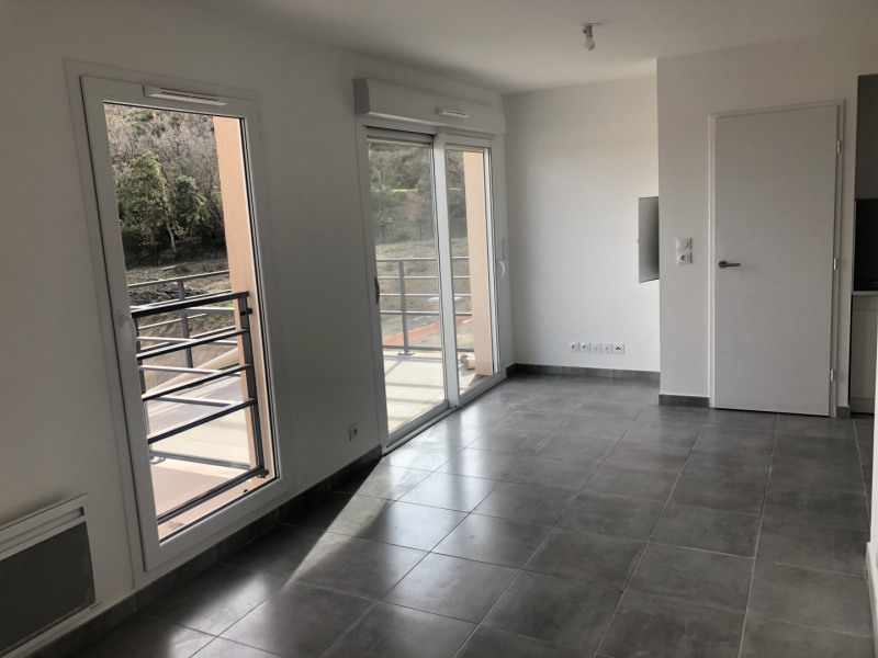 Rental apartment Roquebrune-sur-argens 540€ CC - Picture 1