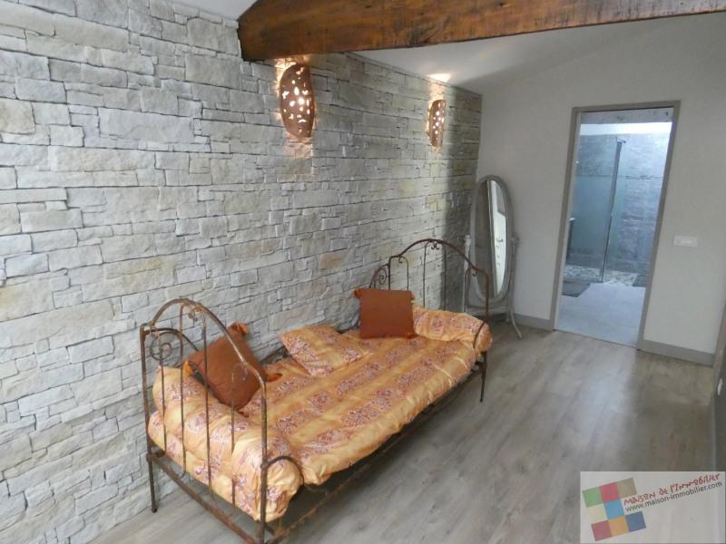 Sale house / villa St meme les carrieres 304950€ - Picture 17