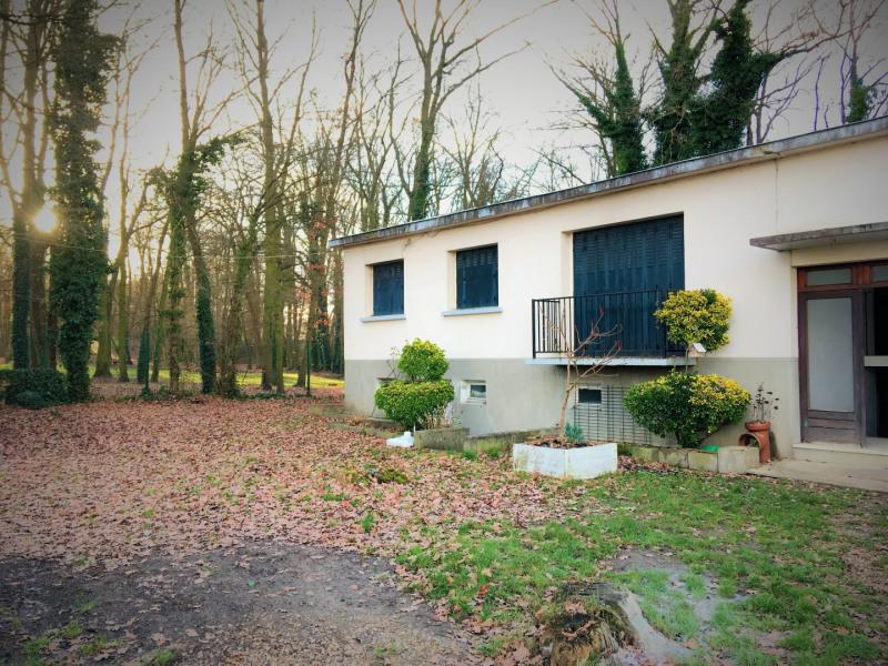 Rental apartment Montigny-lès-cormeilles 910€ CC - Picture 1