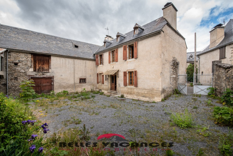 Sale house / villa Bazus-aure 283500€ - Picture 1