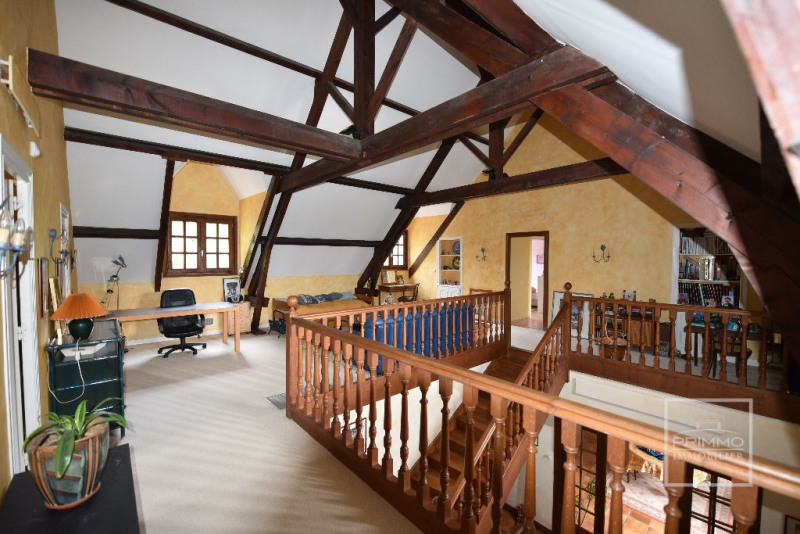 Deluxe sale house / villa Dommartin 650000€ - Picture 8
