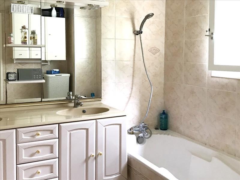 Sale apartment Toulon 234000€ - Picture 6
