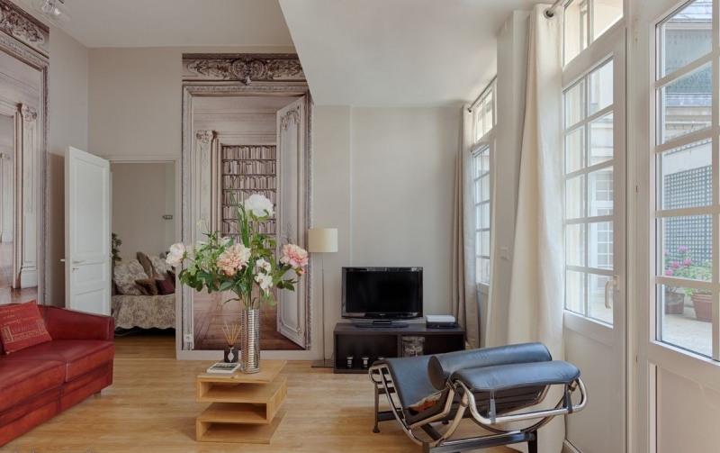 Sale apartment Paris 8ème 625000€ - Picture 1