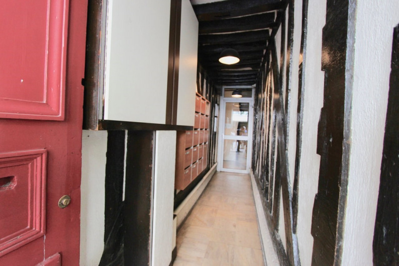 Sale apartment Paris 3ème 319000€ - Picture 2