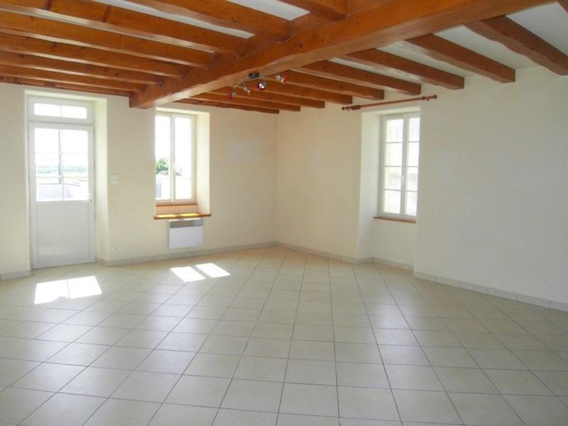 Rental house / villa Sainte  severe 666€ CC - Picture 2