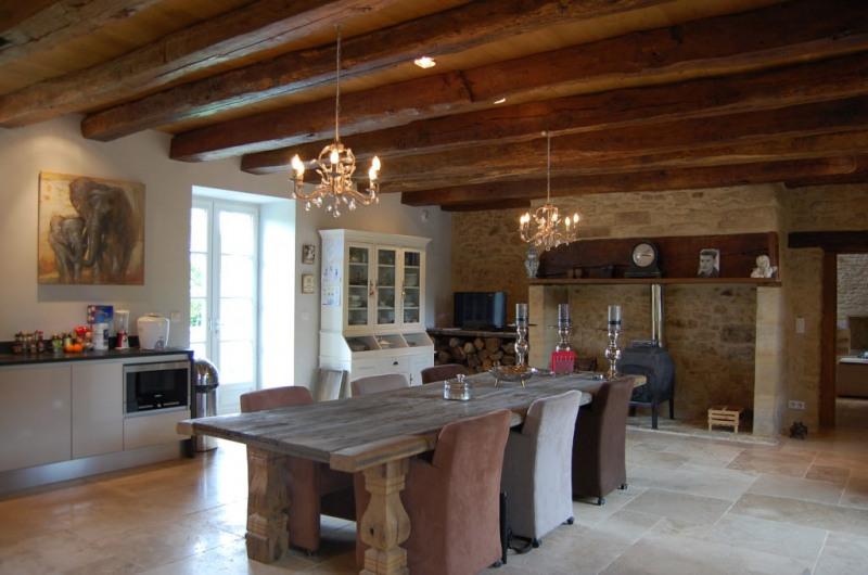 Vente de prestige maison / villa Genis 999000€ - Photo 5