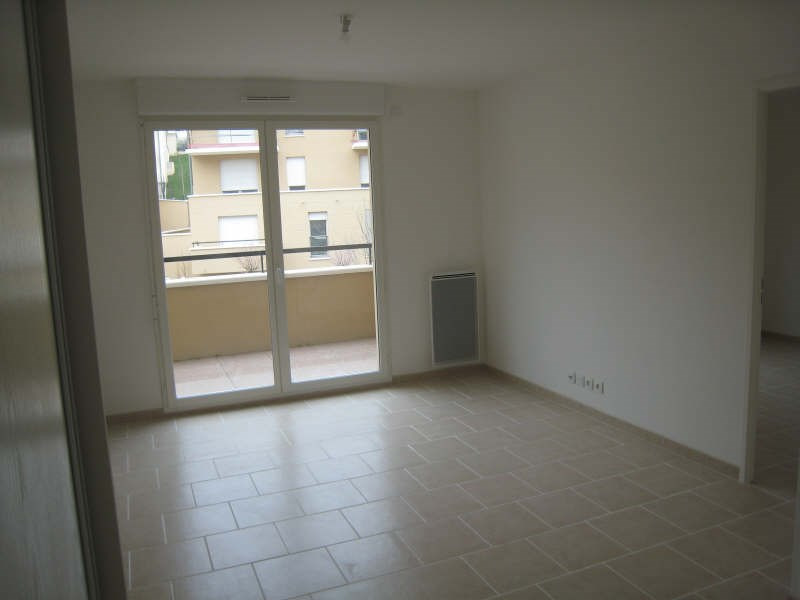 Rental apartment Osny 740€ CC - Picture 2