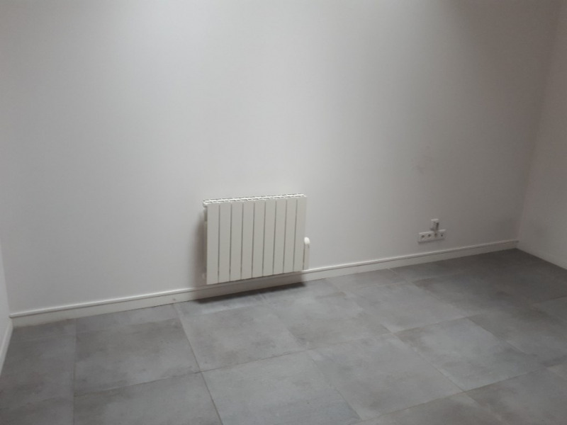 Location local commercial Saint quentin 530€ +CH - Photo 4