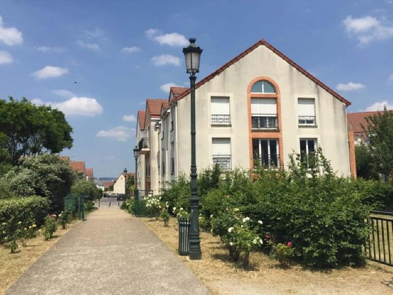 Rental apartment Carrieres sur seine 1265€ CC - Picture 1