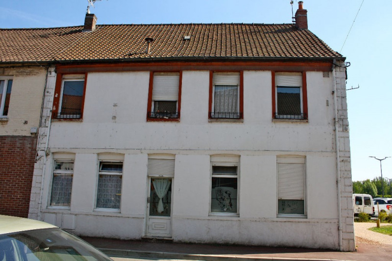 Sale building Isbergues 151 000€ - Picture 1
