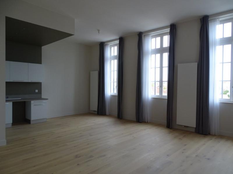 Investment property apartment La rochelle 533645€ - Picture 2