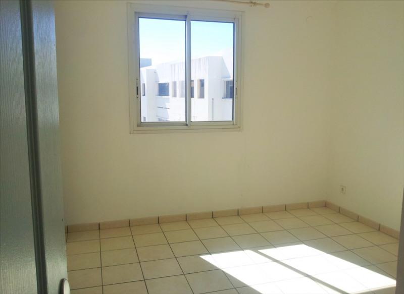 Locação apartamento Saint denis 595€ CC - Fotografia 7