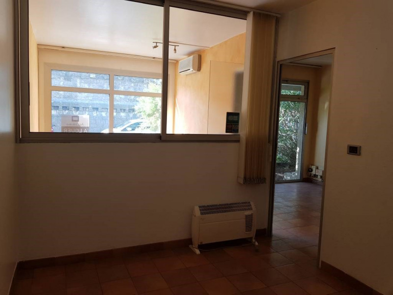 Location local commercial Avignon 590€ CC - Photo 3
