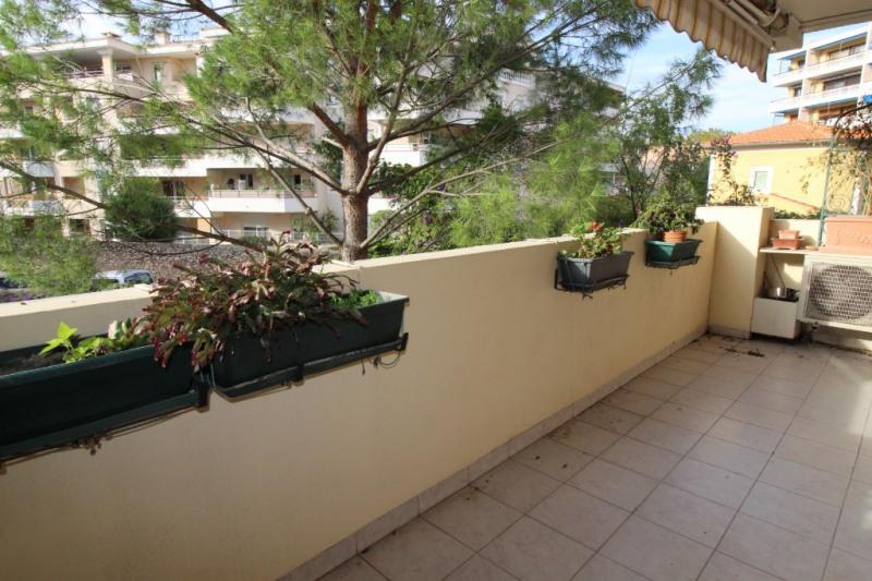Venta  apartamento Hyeres 243800€ - Fotografía 1