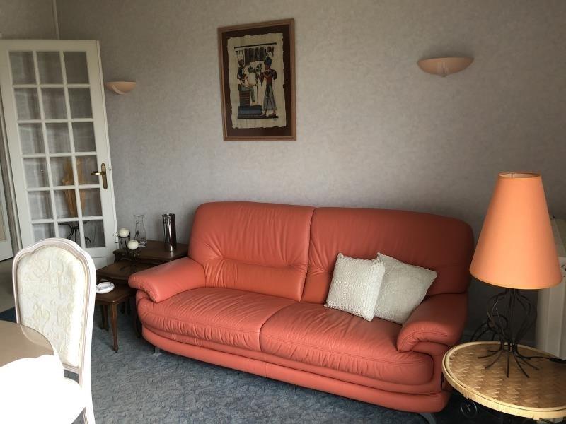 Rental apartment Vendome 550€ CC - Picture 3