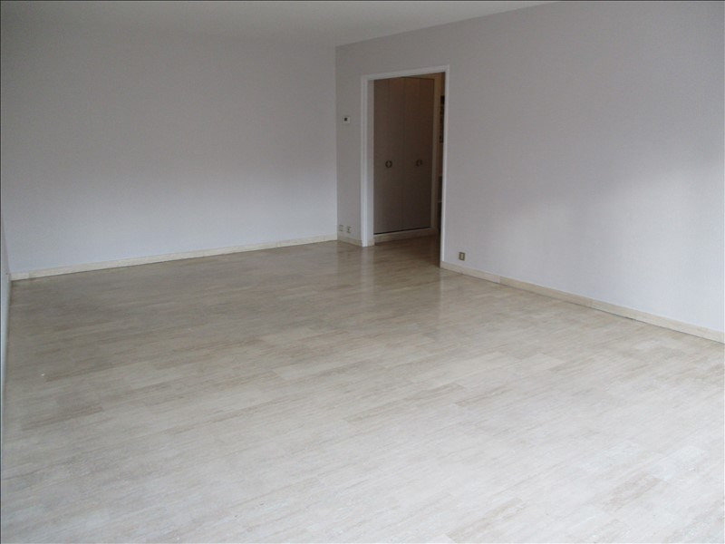 Location appartement Salon de provence 1 010€ CC - Photo 2