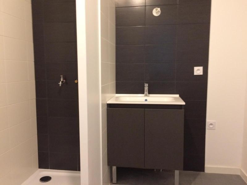 Rental apartment Saint nazaire 628€ CC - Picture 5
