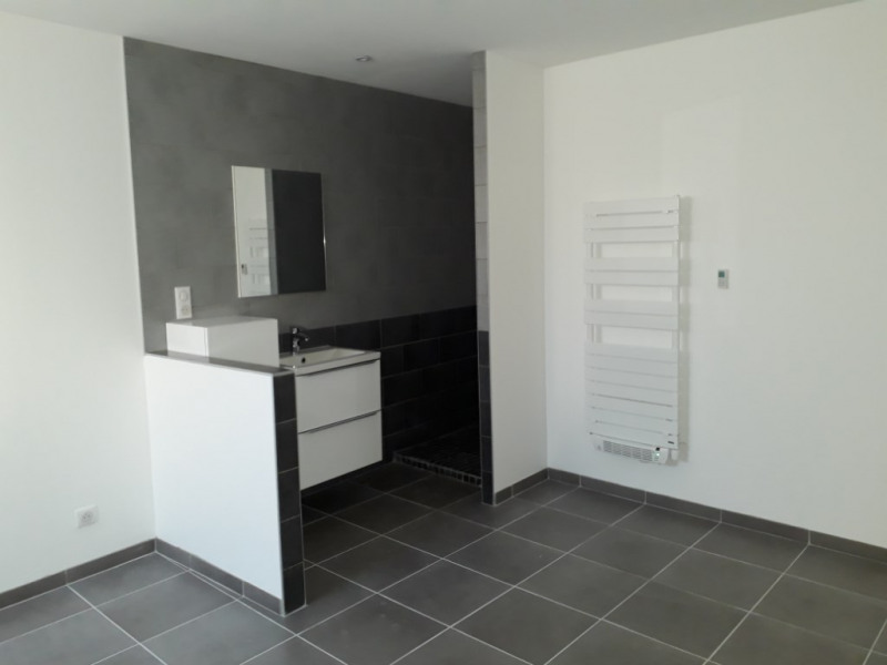Rental house / villa Moidieu detourbe 1000€ CC - Picture 5