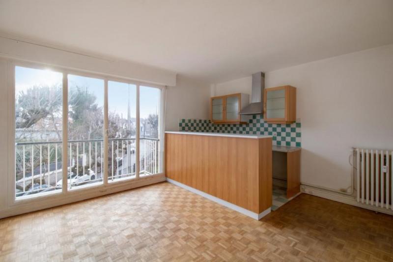 Sale apartment Chatou 279000€ - Picture 1