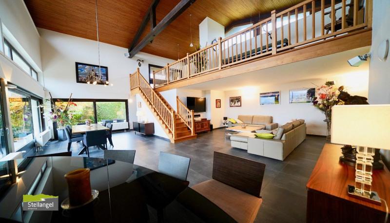 Deluxe sale house / villa Pringy 1575000€ - Picture 1