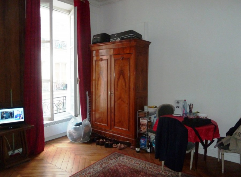 Location appartement Paris 2ème 790€ CC - Photo 1