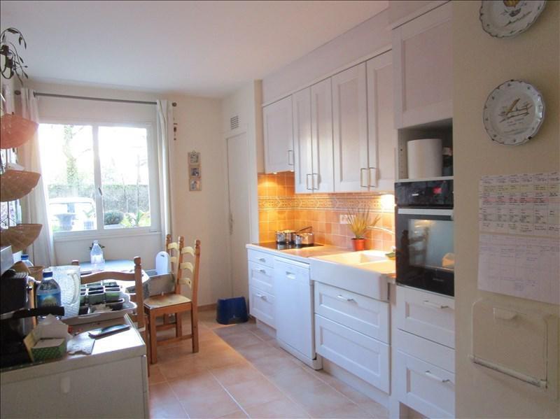 Sale apartment Versailles 400000€ - Picture 3