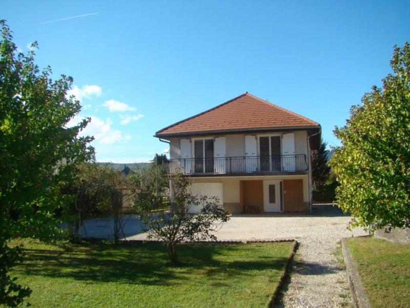 Location maison / villa Saint-laurent-du-pont 850€ CC - Photo 1
