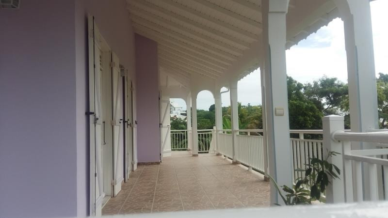 Rental house / villa Ste anne 1 450€ CC - Picture 2