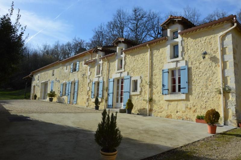 Vente de prestige maison / villa Douzillac 571900€ - Photo 1