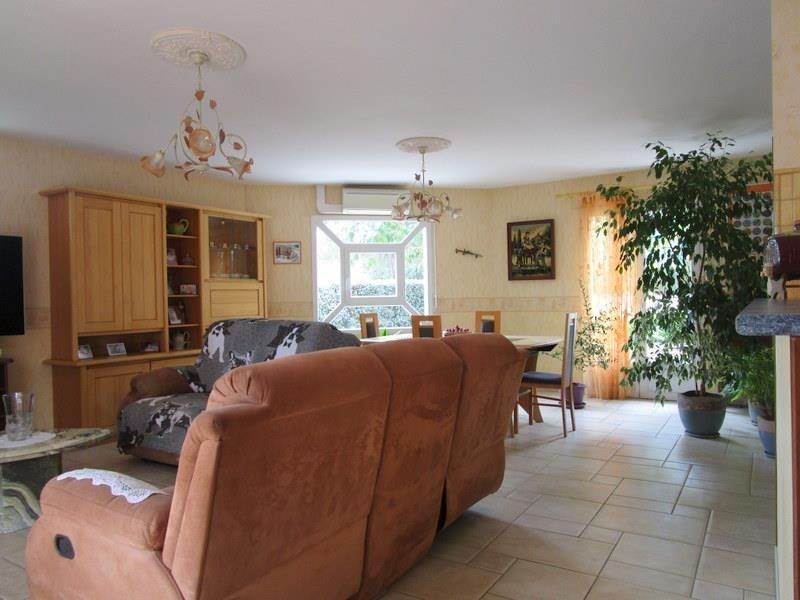 Sale house / villa St andre de cubzac 238000€ - Picture 2