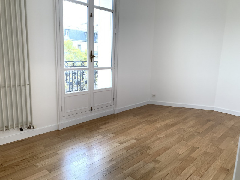 Location appartement Paris 17ème 4 186€ CC - Photo 11