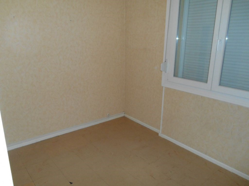 Rental apartment Saint quentin 640€ CC - Picture 7