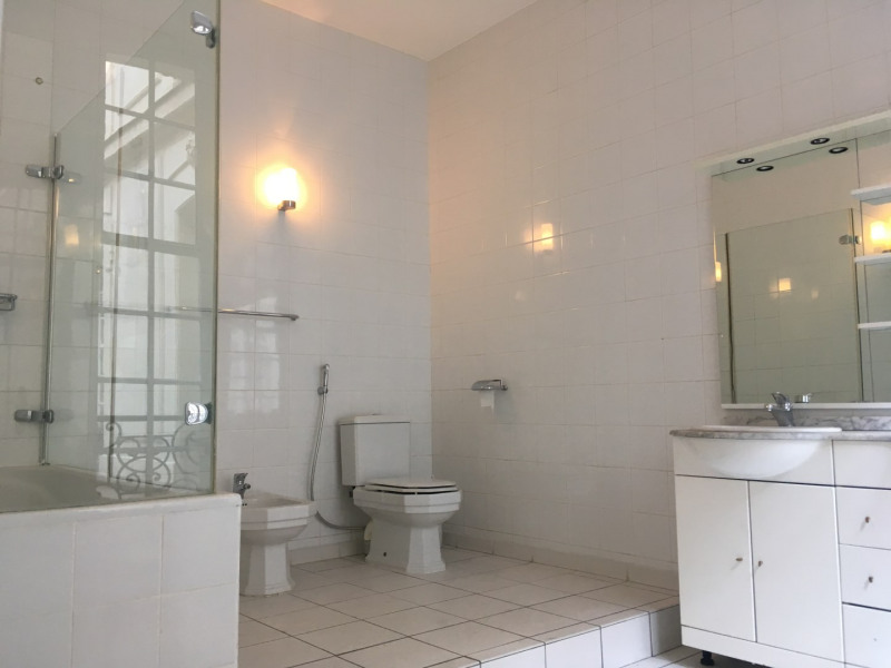 Rental apartment Paris 8ème 11000€ CC - Picture 5