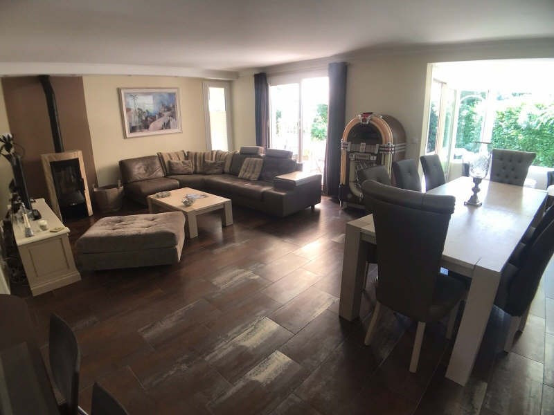 Sale house / villa Lesigny 433500€ - Picture 1